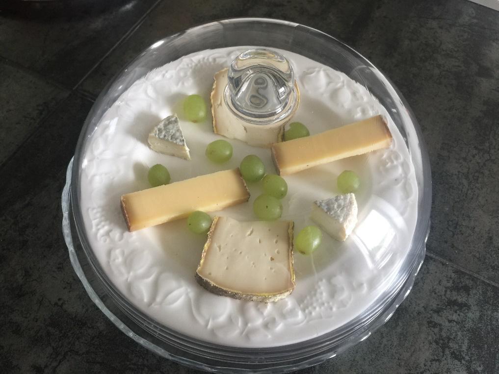 Espace détente personnalisé plateau de fromage